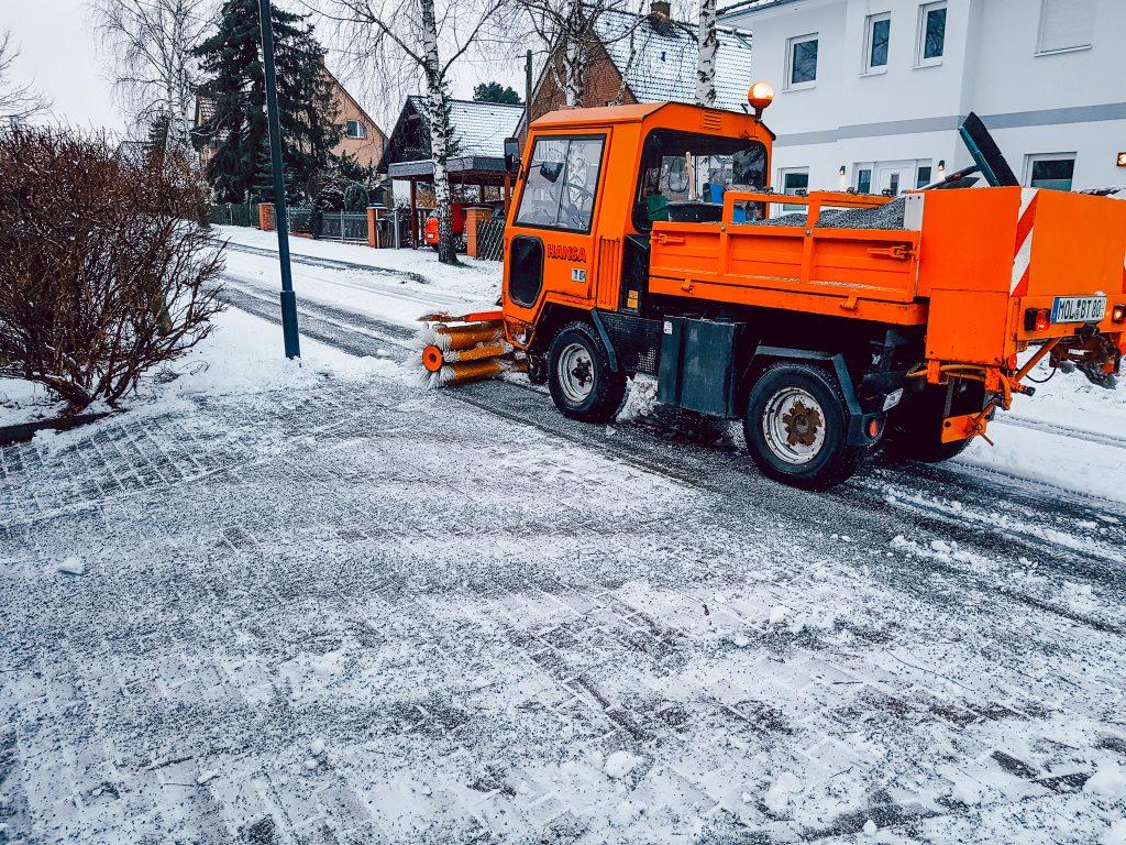 Winterdienst berlin brandenburg Baumteufel Garten und Landschaftsbau